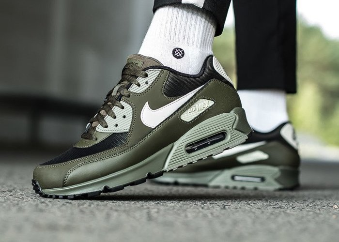 Nike Air Max 90 Essential (537384-309)