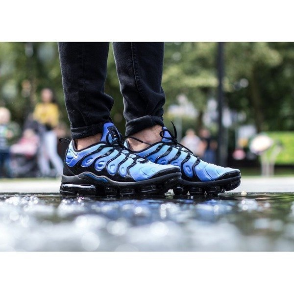 Nike Air Vapormax Plus (924453-008)